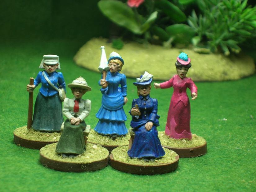 Ladies of the camp. (figure in pink by Eureka, all others by Foundry)