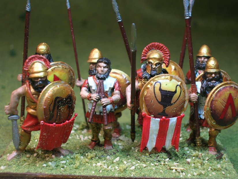 The first completed Spartan unit - 6 Victrix figures & 2 BTD figures