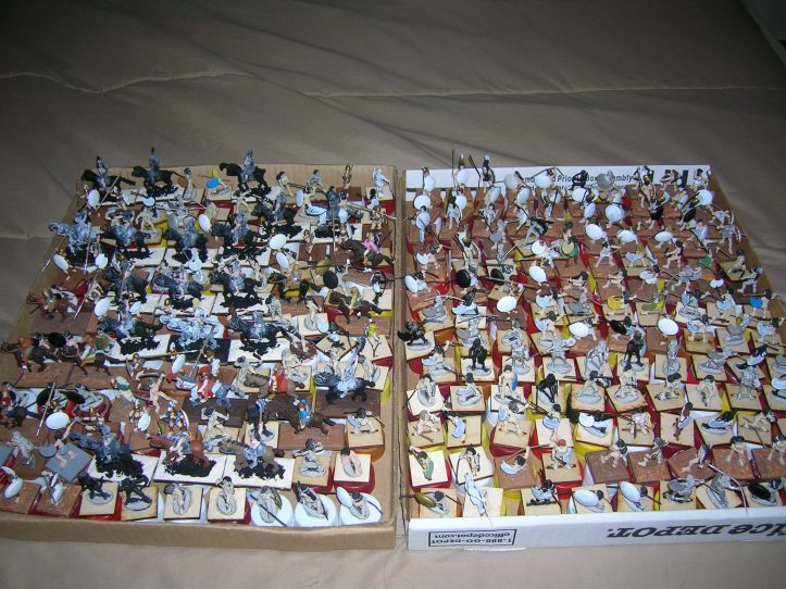 Two trays of Amazons - 275 figures